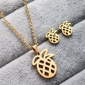 Gold Pineapple Necklace and Earring Set